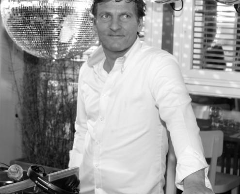 DJ Gilbert Huren